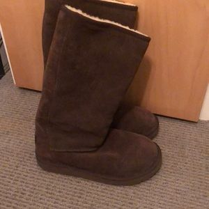 Women's size 8 Brown Ugg boots